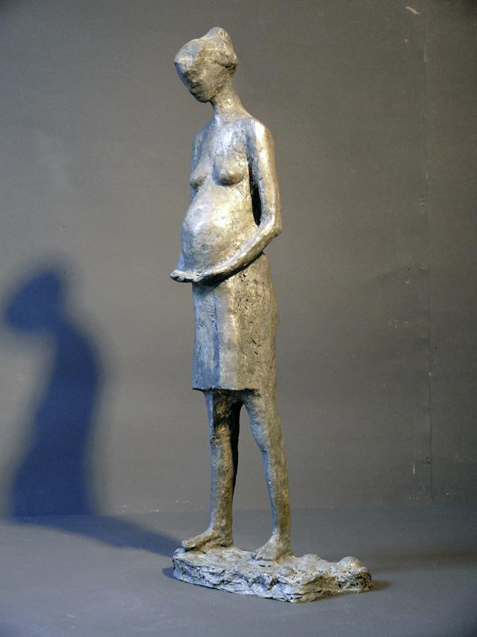 Die Schwangere, Bronze und Blattsilber, Höhe 50 cm